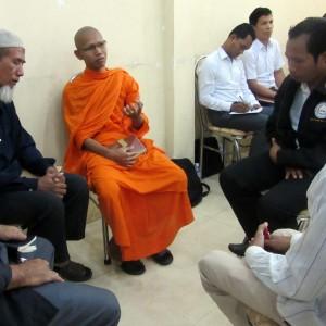 Kan muslimer, buddhister og kristne mødes til dialog i Cambodja?