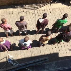 To opfordringer fra Madagaskars vrangside